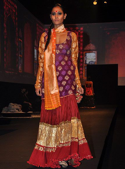Panchvastra-Ritu-Kumar-Collection-2012---Blog-Fash-copie-6.jpg