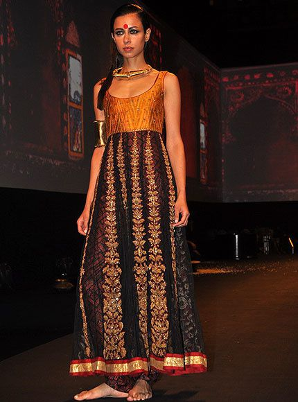 Panchvastra-Ritu-Kumar-Collection-2012---Blog-Fash-copie-7.jpg