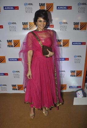HDIL-Couture-Week---Day-1-Mandira-Bedi.jpg