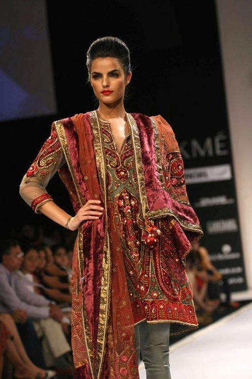 Lakme-Fashion-Week---Defile-Preeti-S-Kapoor-3.jpg