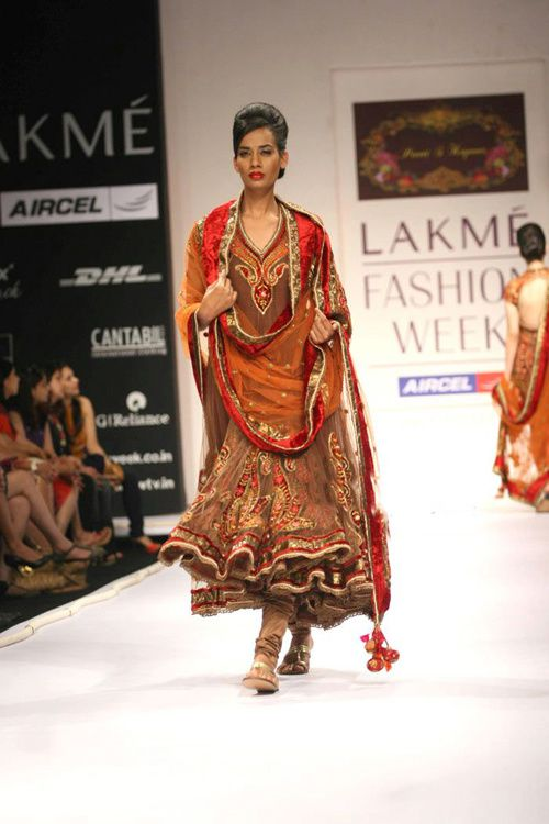 Lakme-Fashion-Week---Defile-Preeti-S-Kapoor-4.jpg