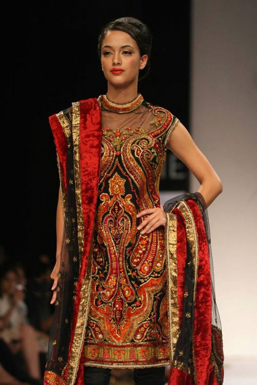 Lakme-Fashion-Week---Defile-Preeti-S-Kapoor-5.jpg