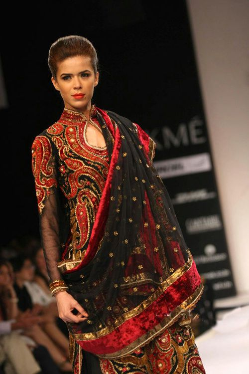 Lakme-Fashion-Week---Defile-Preeti-S-Kapoor-9.jpg