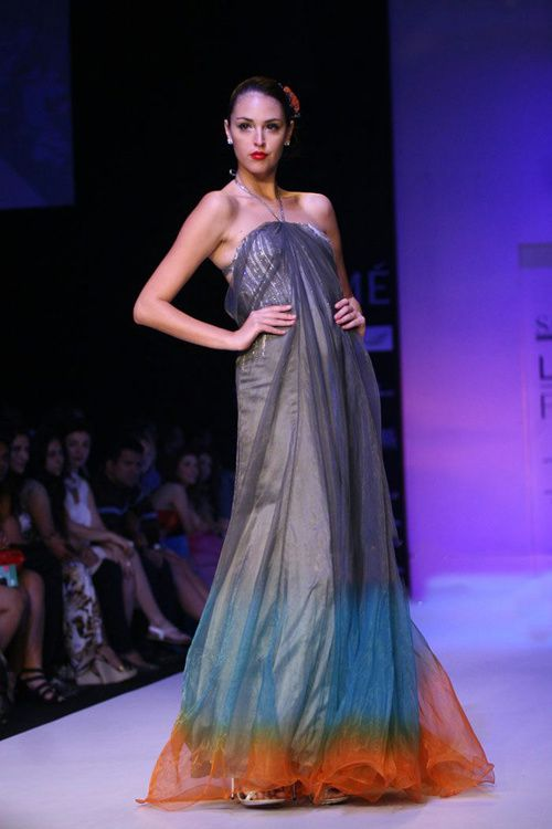 Lakme-Fashion-Week---Defile-Satya-Paul-8.jpg