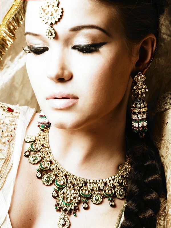 The-Jodhaa-Akabar-Collection-par-Tanishq.-6.jpg