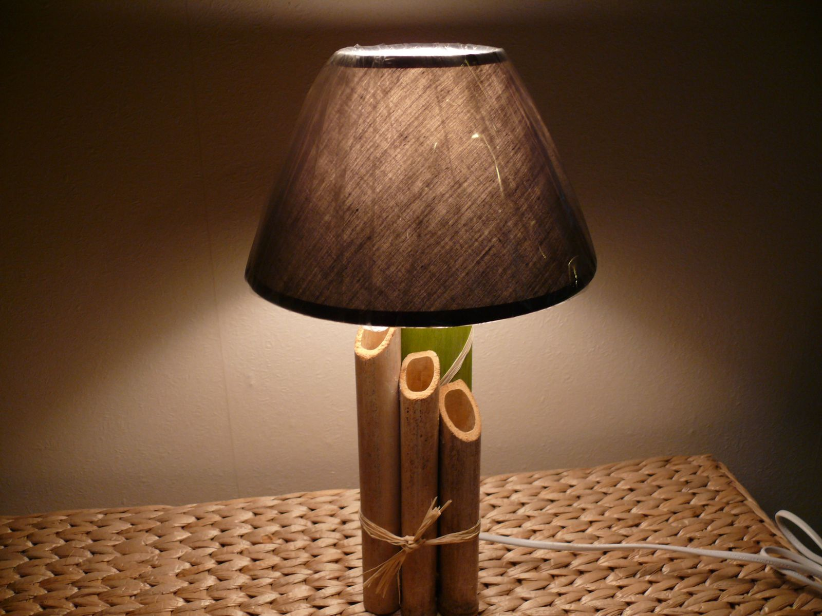 Lampadaire bambou for Lampe a lave acheter