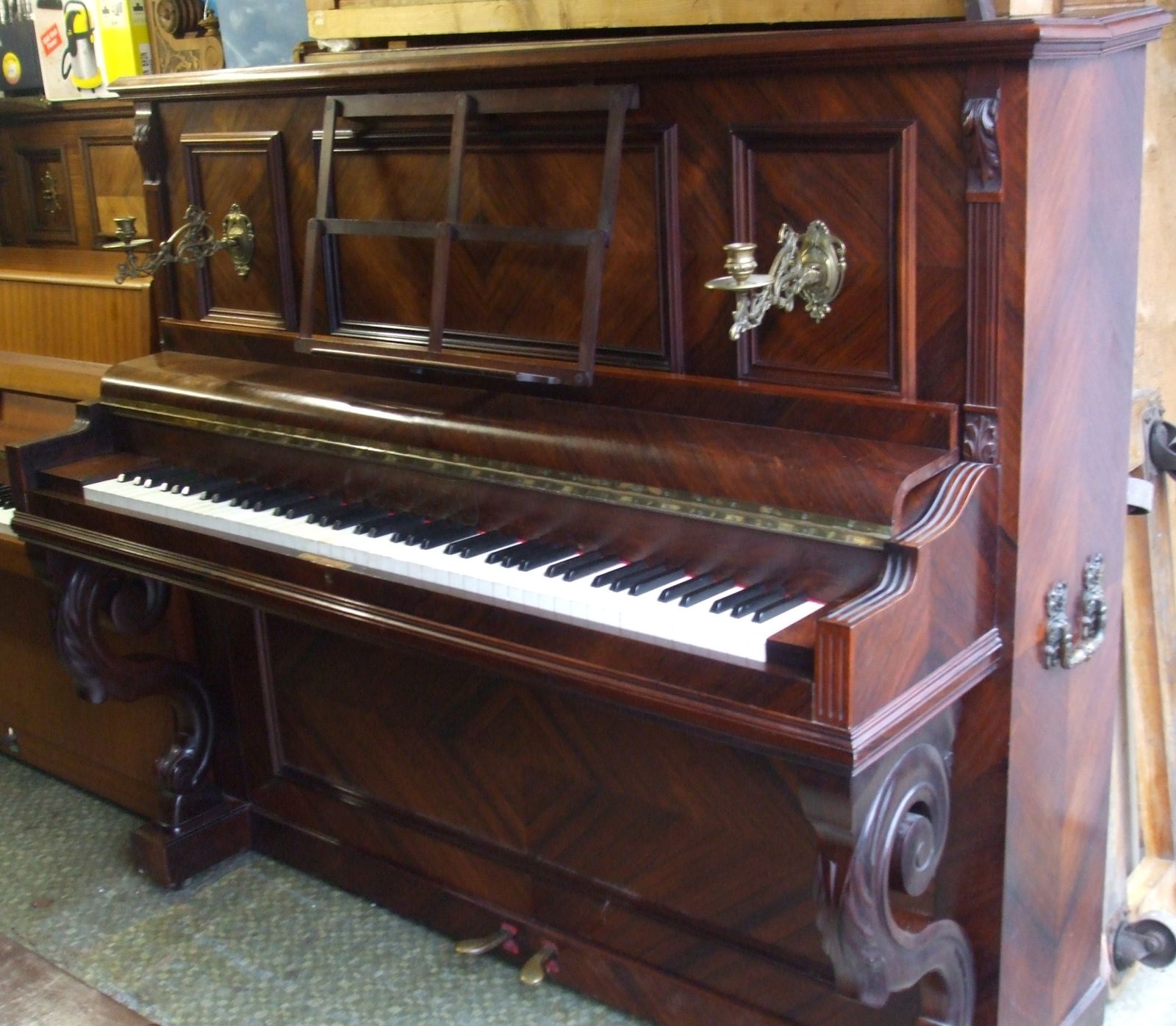 vente piano droit ancien. Black Bedroom Furniture Sets. Home Design Ideas