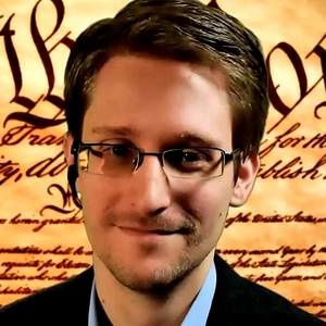 Edward-Snowden-in-ong-humanitaire-Rubio.jpg