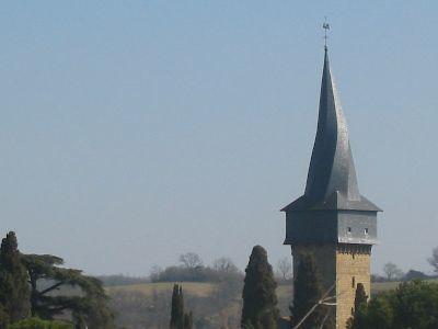 clocher-tors-eglise-du-village-de-Barran-dans-le-Gers------.jpg