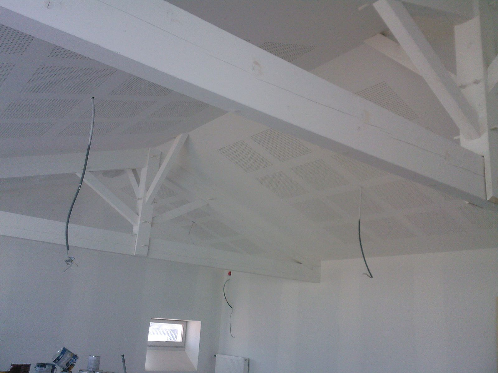 Plafond suspendu peinture auto entrepreneur s h services for Peinture plafond