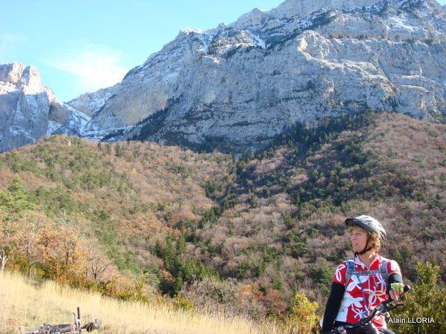 Vue sur le Roc de Peyrole