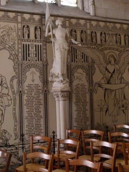 Canelle Dans l'église Ste Croix à Bernay (27)