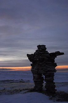 220px-Inukshuk_Sunset_Kuujjuaraapik_January.jpg