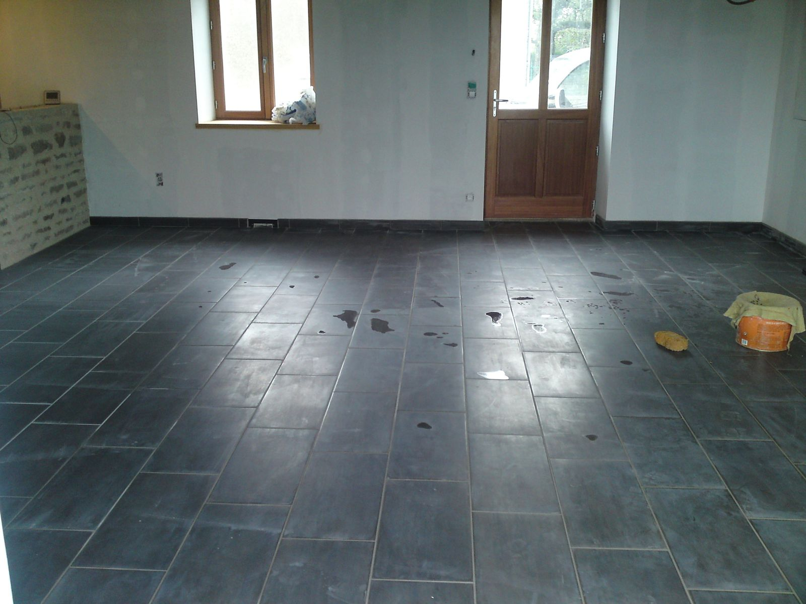 Joints de carrelage renovation d 39 une fermette en bourgogne - Joint de carrelage noirci ...