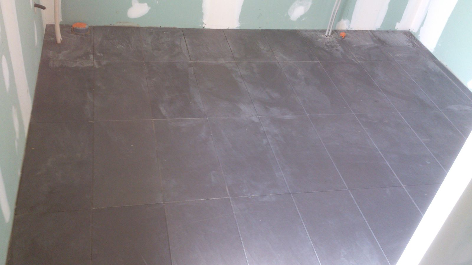Renovation d 39 une fermette en bourgogne r novation d 39 une for Pose carrelage sans joint