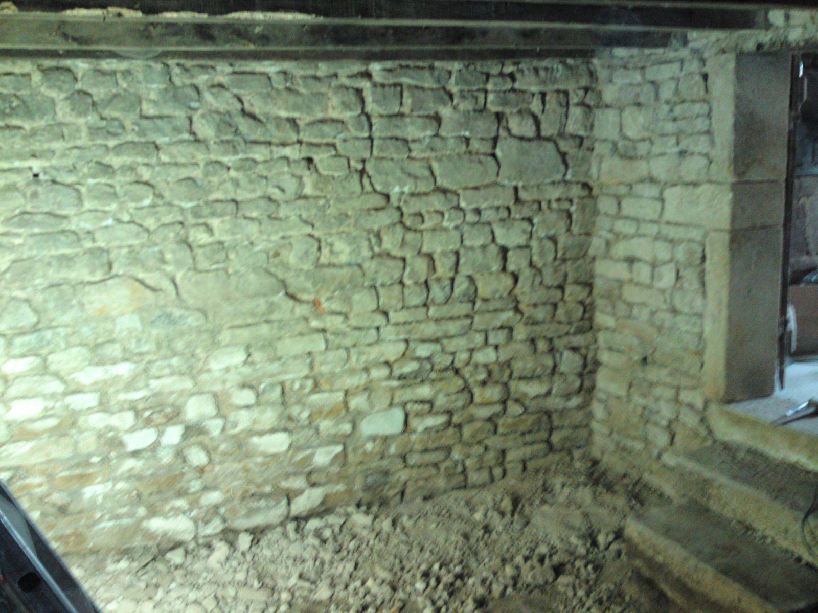 Gratte les joints renovation d 39 une fermette en bourgogne - Des limaces dans ma maison ...
