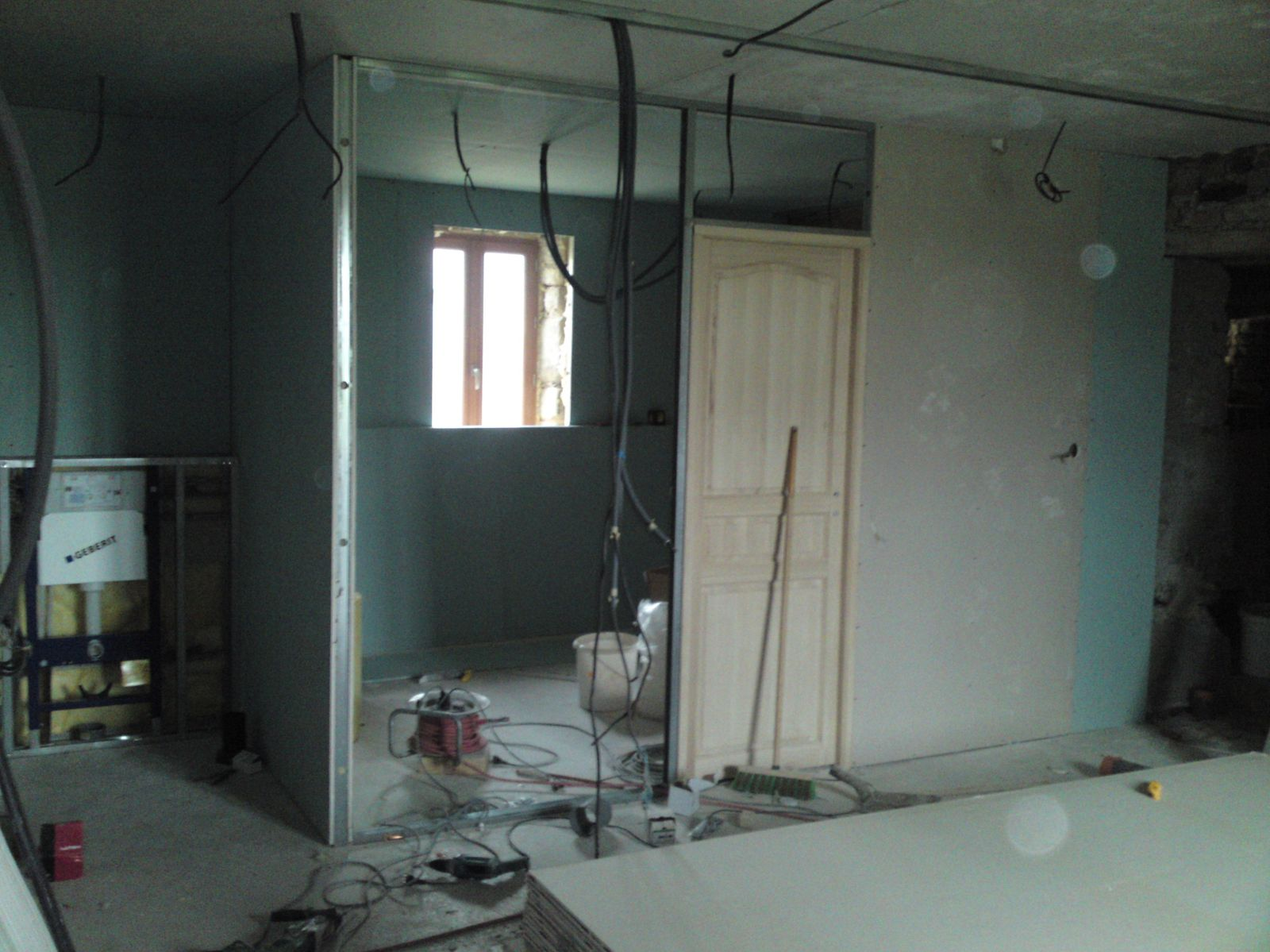 faux plafond salle de bain placo refaire platre plafond. Black Bedroom Furniture Sets. Home Design Ideas