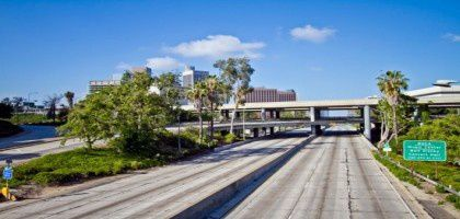running-on-empty-un-time-lapse-de-los-angeles-sans-voiture.jpg