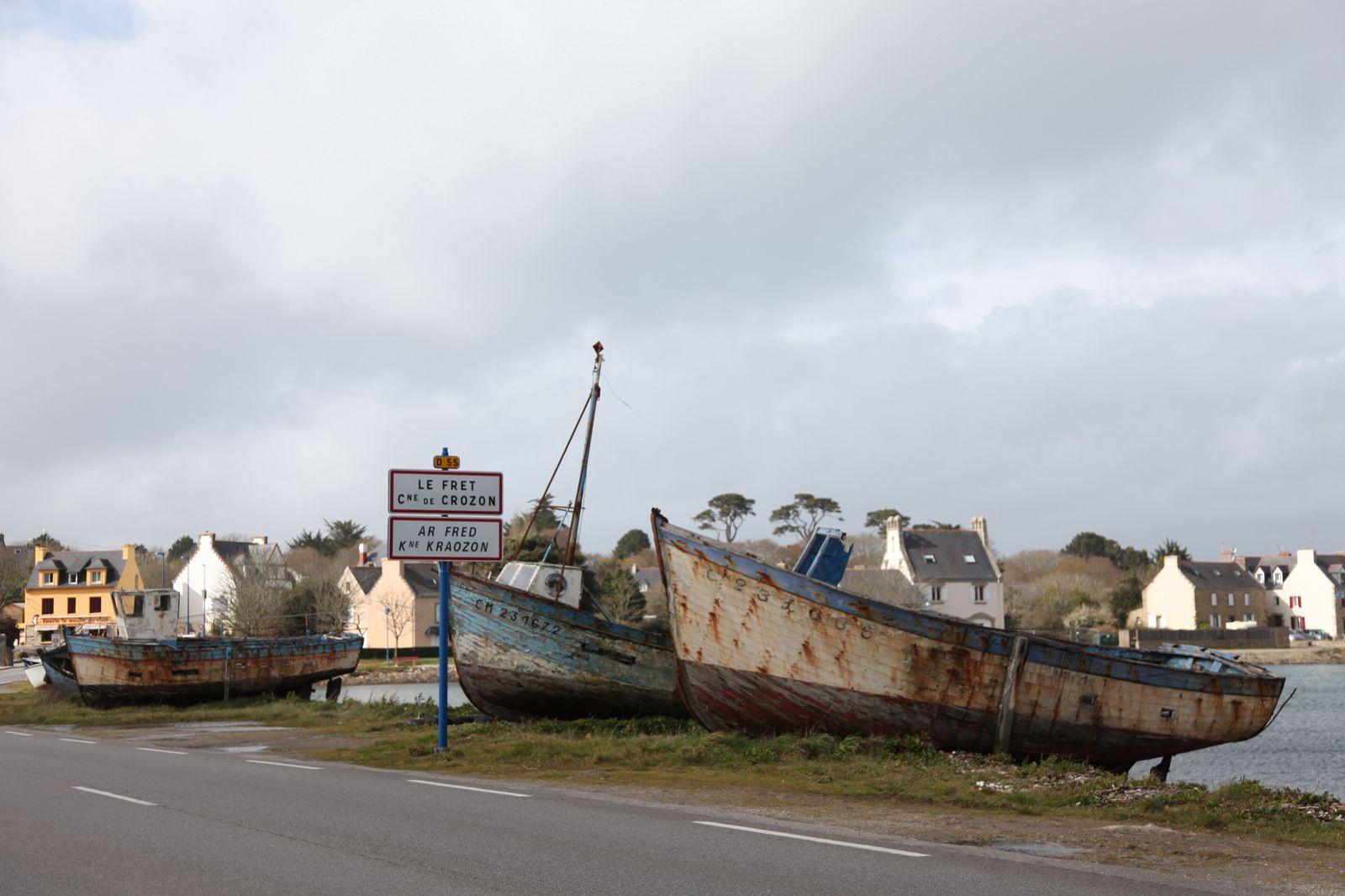 bateau de peche 4 lettres