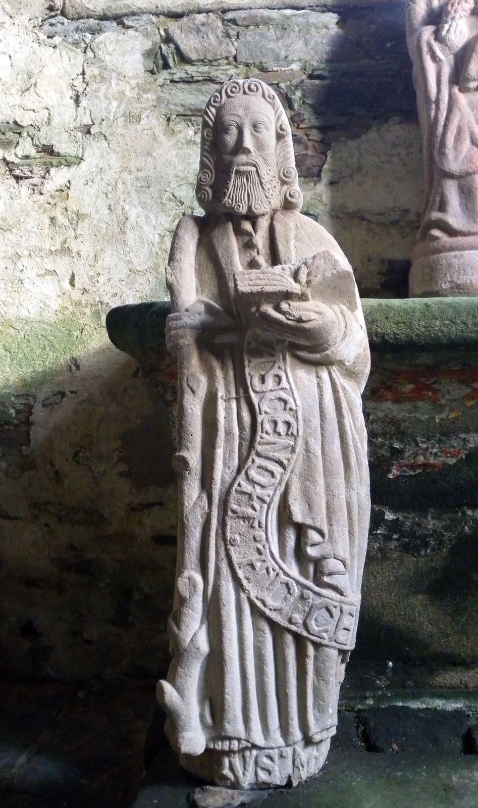 vierges allaitantes v   saint-venec  u00e0 briec  notre-dame de tr u00e9guron et les autres statues