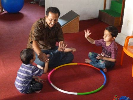Ajay giving Speech therapy in a group