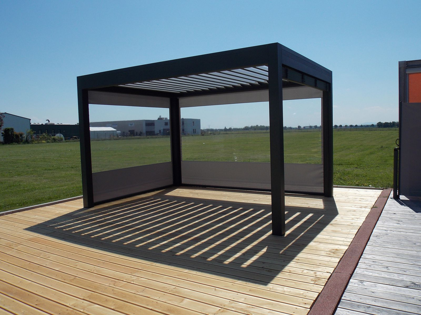 Photos pergola bioclimatique storeferm - Pergola alu lame orientable ...