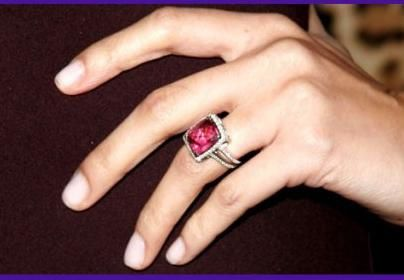 Nicole-Richie-Engagement-Ring.JPG