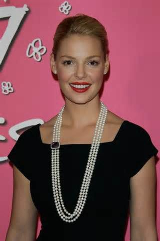katherine heigl pearl necklace.jpg
