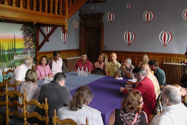 SR-mairie-table-ronde.jpg