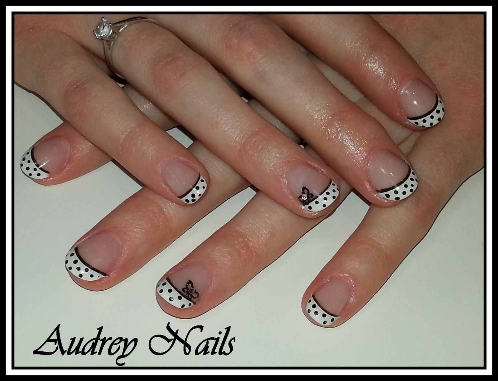 French blanche à pois noirs + liner noir et stamping papai