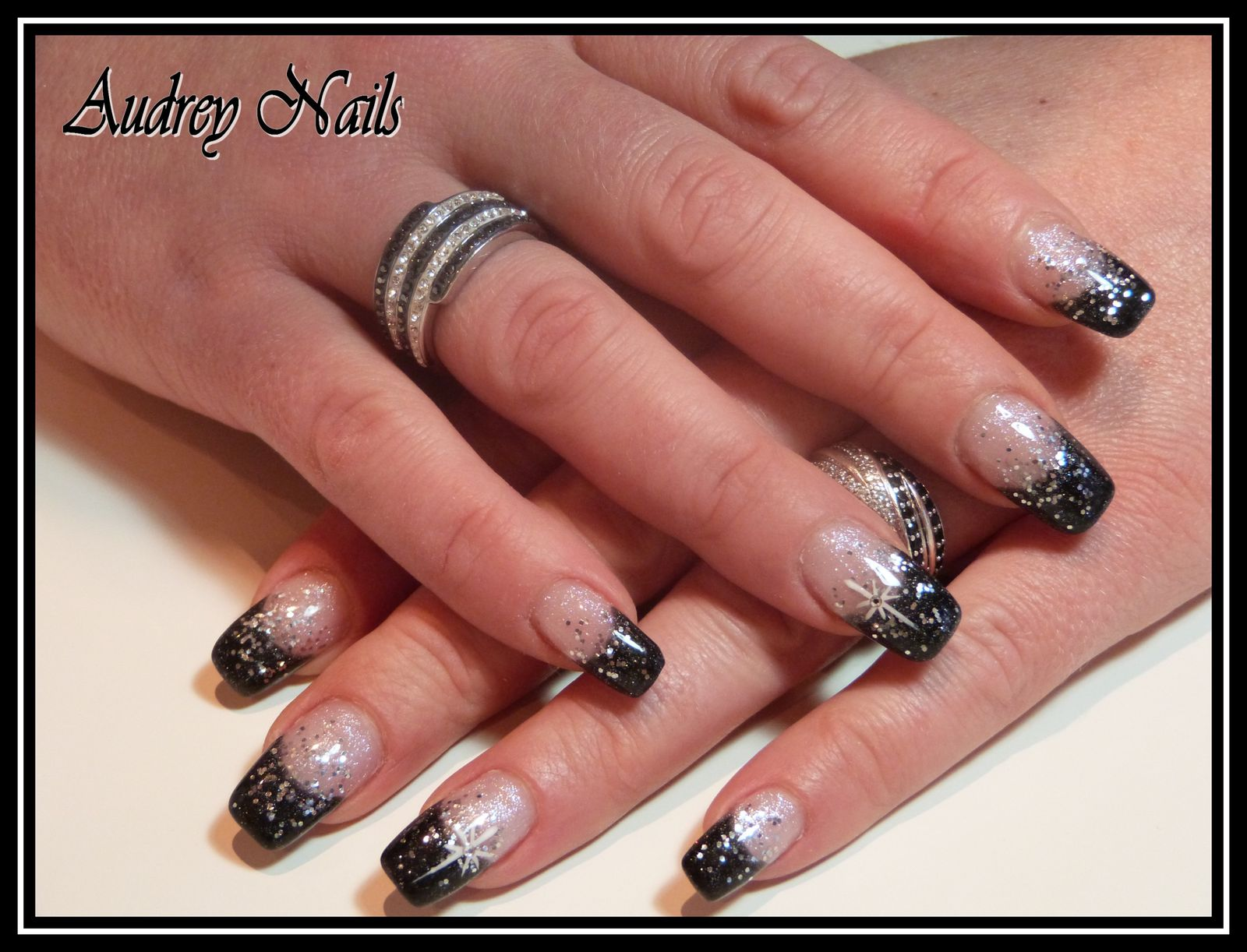 photo deco ongle french noir