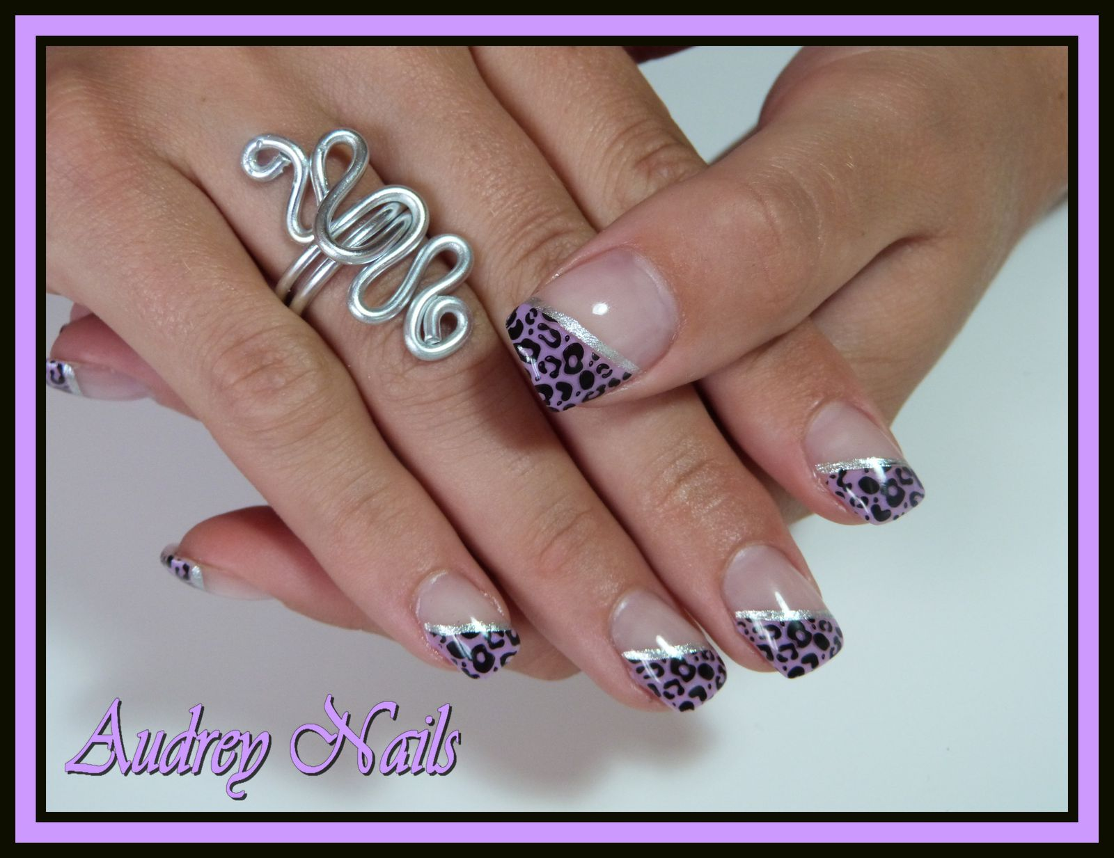French lilas + stamping léopart + liseré argent