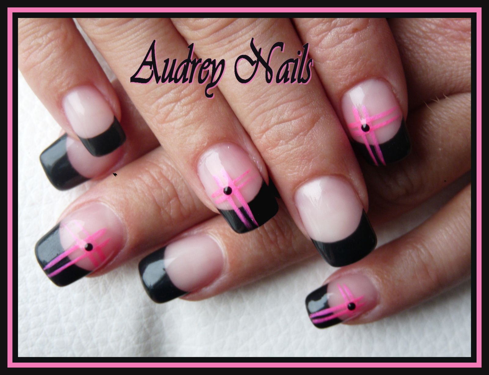 photo deco ongle noir rose