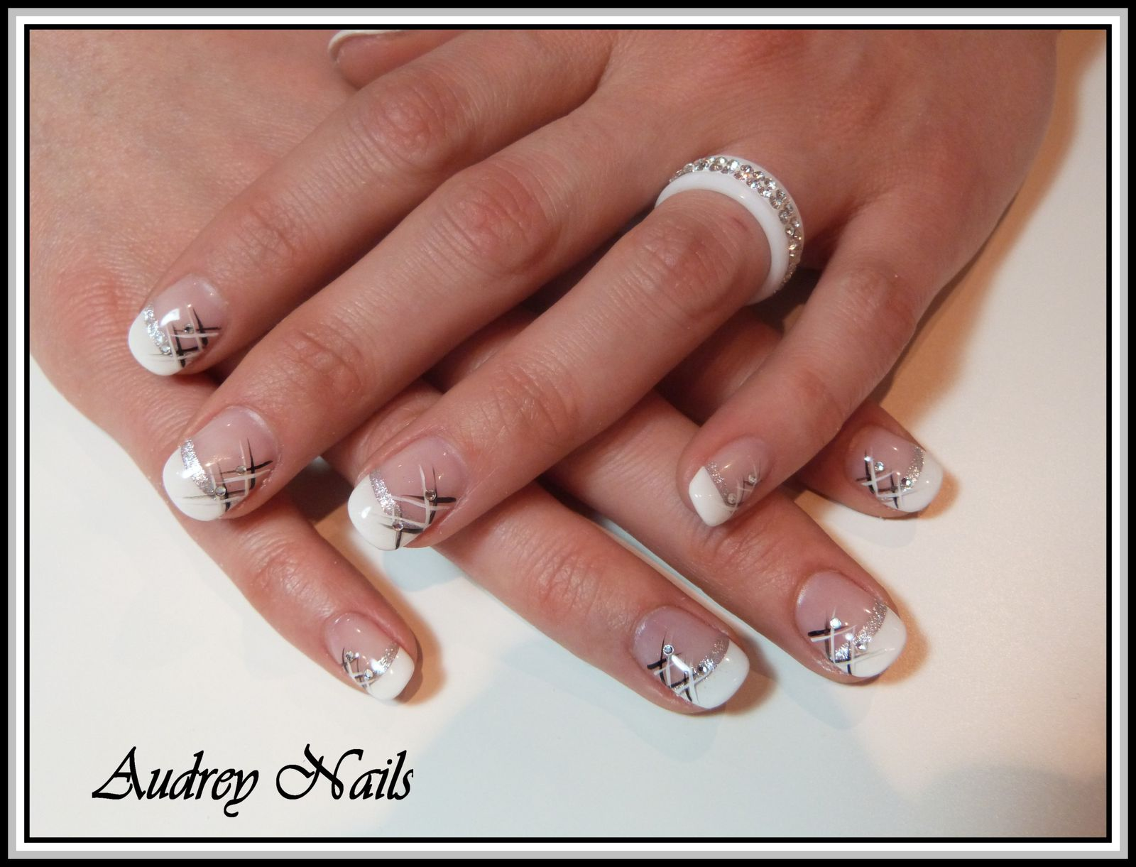 Ongles en gel french blanc - Deco french manucure ...