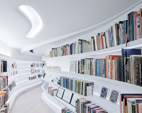 dzn Living-with-Books-and-Art-by-UN-Studio-9