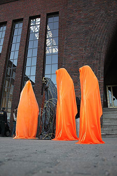 light-guard-sculpture-manfred-Kielnhofer.jpg