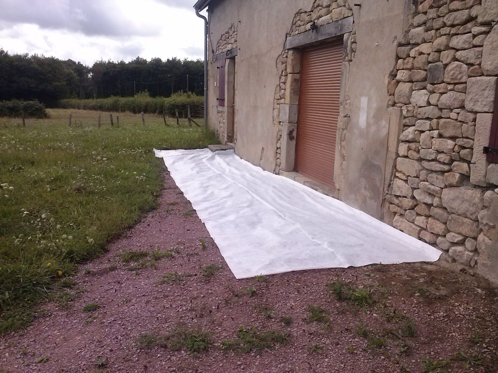 Geotextile gravier for Amenager une cour en gravier