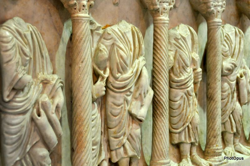 PhotOpus-Corps-sans-tetes-Sarcophage-paleoChretiens-1.JPG