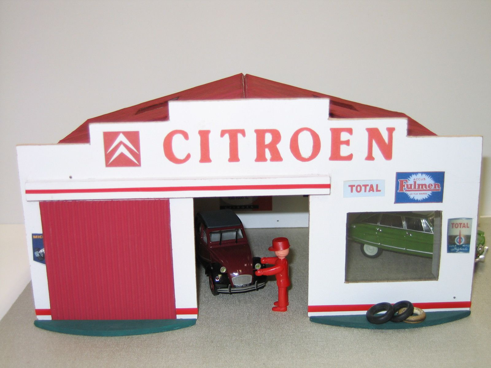 Album maquettes de garages et stations service for Garage citroen crepy en valois
