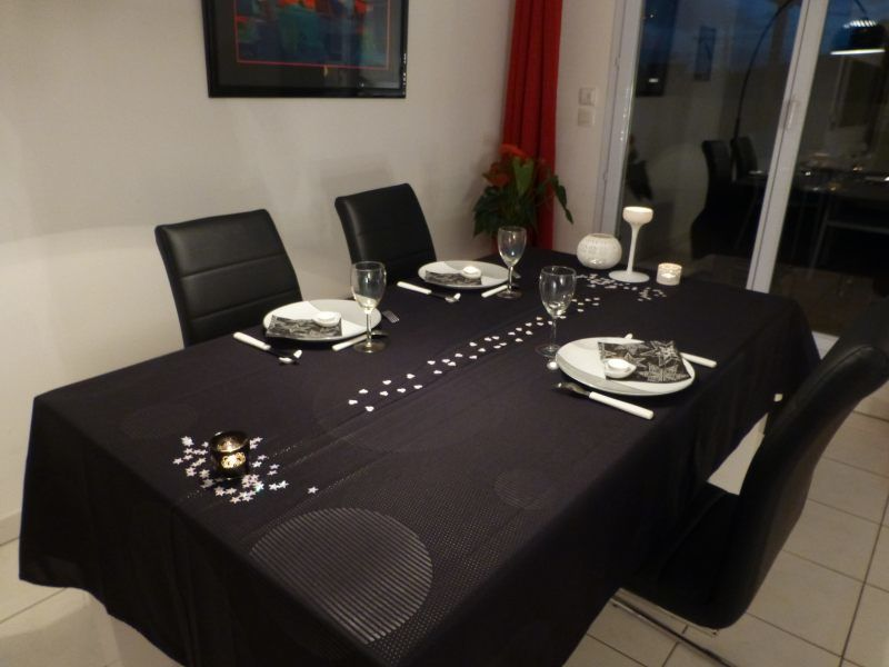 nappe de table ikea ustensiles de cuisine. Black Bedroom Furniture Sets. Home Design Ideas