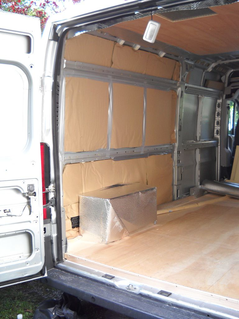 Am nagement fiat ducato en camping car les montagnards for Equipement interieur camping car