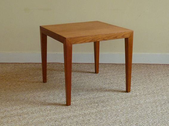 Table basse scandinave en teck de severin hansen coin canal for Table basse scandinave hauteur 50 cm