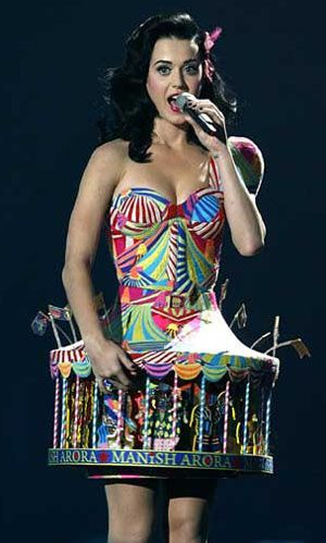 katy-perry-robe-manish-arora1.jpg