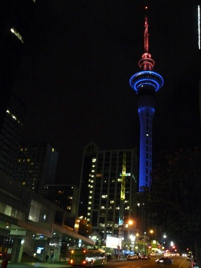 skytower_bleu_rouge.jpg