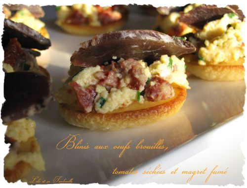 Toasts-de-blinis-aux-oeufs-brouilles-at-magret-de-copie-2.JPG