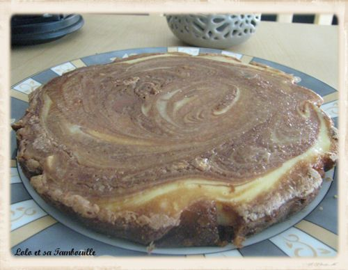 Brownie-cheesecake-au-chocolat-au-lait-aux-noisett-copie-1.JPG