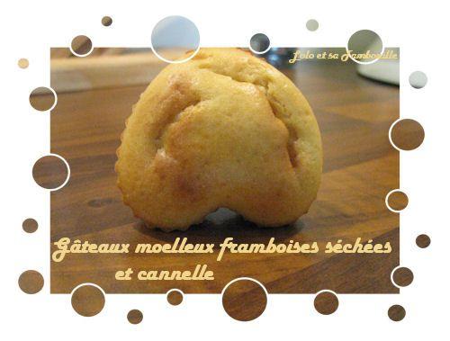 Petits-gateaux-moelleux-framboises-et-cannelle--3-.JPG