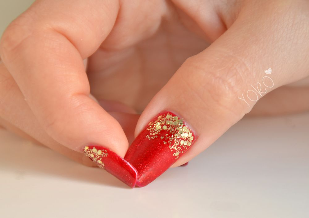Nail art de no l 2 comment a va bien france 2 d grad paillett dor nail art le blog - Nail art noel facile ...