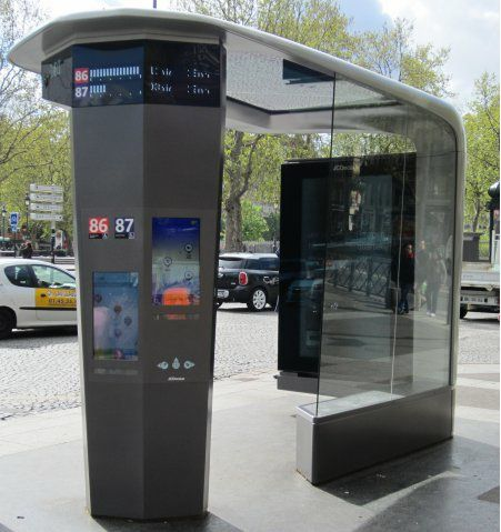 abri-bus-station-place-bastille-ratp-jc-decaux-paris.jpg