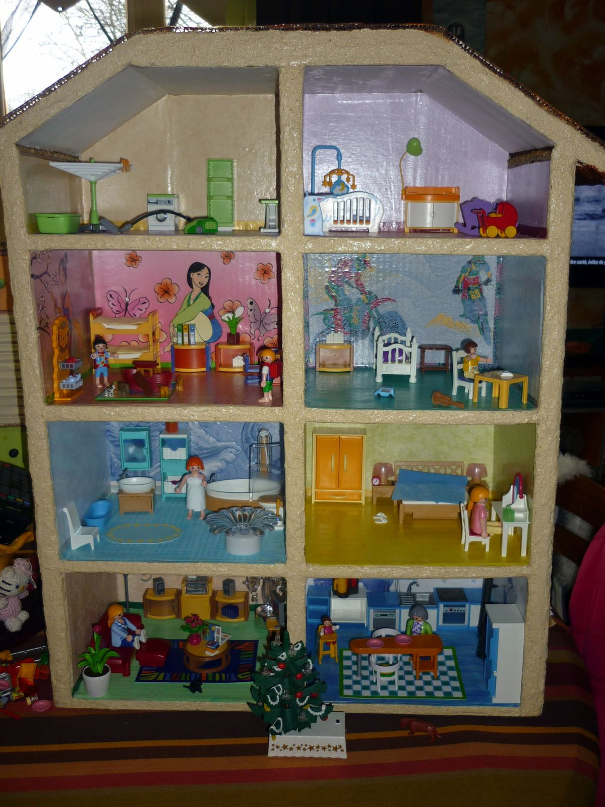 maison playmobil en carton le fouillis de kanou. Black Bedroom Furniture Sets. Home Design Ideas